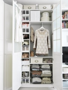 hanger-over-wire-baskets-plus-tiny-pull-out-drawers-in-cute-reach-in-closet-design-and-white-boxes